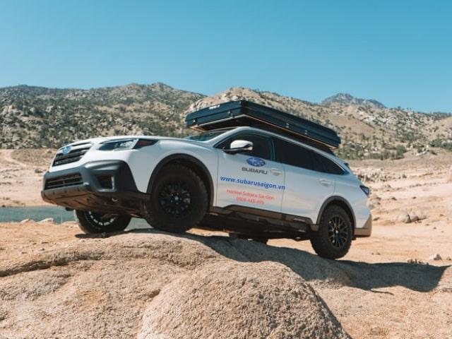 Subaru Outback 2021 giá